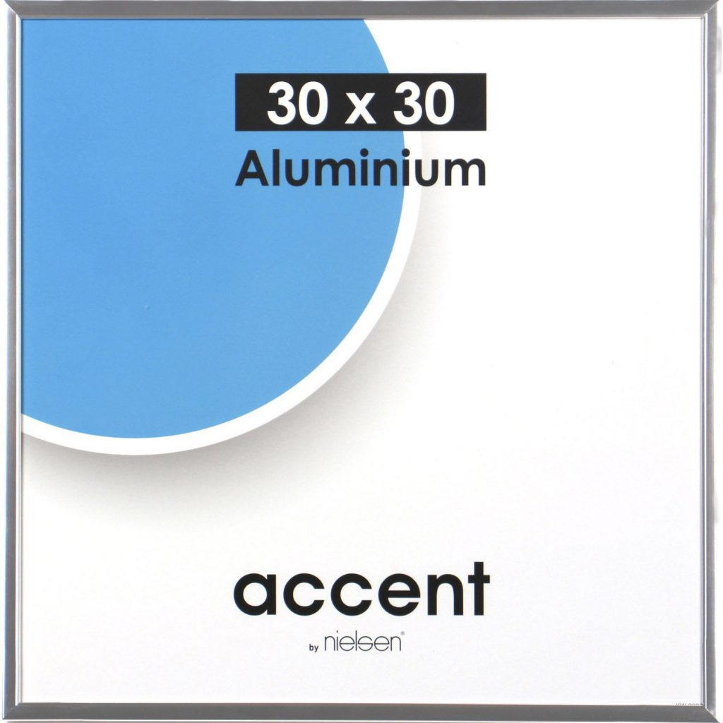 Nielsenin Accent alumiininen valmiskehys kirkkaalla lasilla ja kovalevytaustalla